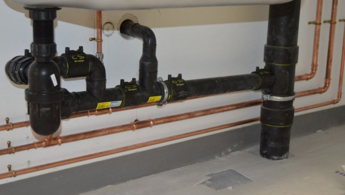 Geberit piping at the Wellcome-Wolfson Institute, Belfast